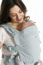 Dragen vanaf de geboorte tot de peuterleeftijd met de Babylonia Flexia