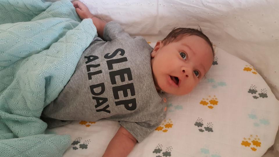 Sleep Day Twitter: Sleep All Day Moeder En Baby T-shirts